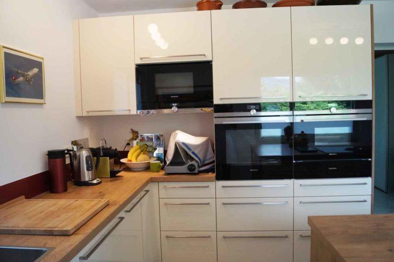 Moderne Küche und Landhausküchen mit 8 Jahren Service Garantie